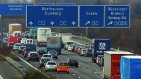 České řidiče vyjde Německo draze. Kvůli starým autům zaplatí nejvyšší mýto