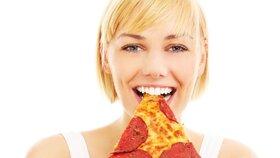 5 dietních mýtů, po kterých tloustnete! Pozor na celozrnné pečivo a očisty!