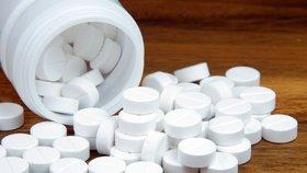 EU doporučuje stažení léku paracetamolu s delším uvolňováním. Může poškodit játra