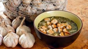 Nejlepší vyprošťovák: Dva recepty na česnečku