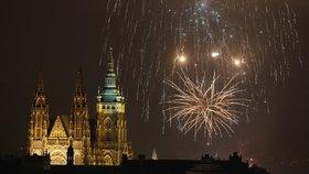 """Zrušení novoročního ohňostroje v Praze? """"Uděláme si ho sami,"""" říkají organizátoři"""