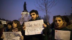 Loni zabili teroristé 151 Evropanů a bude hůř. IS si cvičí dětské vrahy