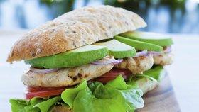 Letní chuťovky: 4 tipy na výborné domácí sendviče