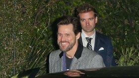 Proč Svěrák lhal i respektované filmové kritičce??? Jim Carrey byl včera na party v L. A.!