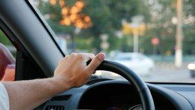 Přes Smíchov jen 30 km/h: Řidiči od středy musí sundat nohu z plynu