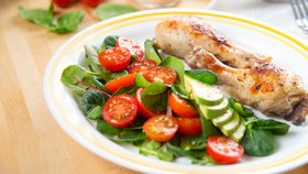 Takhle obědvejte! Shodíte až tři kila měsíčně. Čemu se vyhnout?