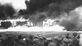 Horor koncentráku Belsen! Nikdy nezveřejněné fotky zosvobození tábora smrti