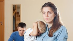 Pozor na manželovy dluhy! Můžete ho dát k soudu