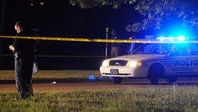 Střelec v noci v USA zabil dva strážníky: Policie již má dva podezřelé