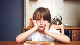Rodiče 100 tisíc českých dětí nemají na oběd! Jídlo pro chudé zdarma?