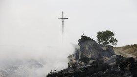 """Ukrajinci """"sebrali"""" podezřelého ze sestřelení MH17. Viní ho z terorismu"""
