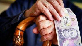 Senioři si příští rok polepší, vláda kývla na zvýšení důchodů. O kolik vzrostou?