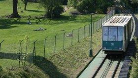 Lanovka na Petřín bude nejméně do příštího úterka mimo provoz. Porouchaly se brzdy