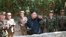 KLDR po slovech o válce odpálila raketu z ponorky. Odplata USA za sankce?