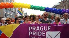 """""""Neřešme, kdo co kam strká."""" Prague Pride bude letos o lásce, nabídne 130 akcí"""
