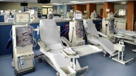 Desetiletí zachraňování životů: Dialyzační středisko ve vysočanské klinice slaví jubilem