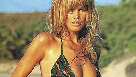 Nejžhavější fotky Claudie Schifferové, která slaví 50: Ukradené kalhotky, šmíráci a majetek 5 miliard