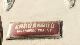 Praha nechá očistit a opravit cedule s názvy ulic. Za 5 milionů korun