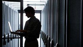 Hackeři si podali americký T-Mobile. Unikla data 15 milionů lidí