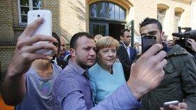 """Kdo dostane Nobelovu cenu za mír? Favoritkou je """"máma uprchlíků"""" Merkelová"""