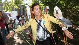 Herečka Míša Maurerová: V zajetí šesti ptáků