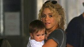 Půvabná Shakira poodkryla kousek svého pokladu: Na ulici letmo ukázala syna Sashu
