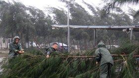 Na pobřeží Číny udeřil tajfun Mučike, zabil nejméně 4 lidi