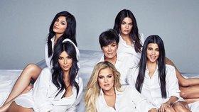 Kardashianky na titulce Cosmopolitanu: První rodina Ameriky