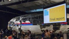 """Kdo sestřelil let MH17? Rusové ukázali na Ukrajince. Ti oponují: """"Další fake"""""""