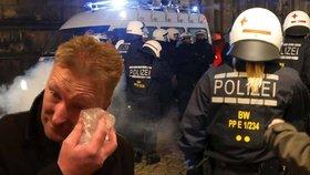Češi na německém protestu proti uprchlíkům: Černoch prý dostal dlažební kostkou