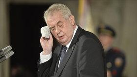 Zeman umírá na rakovinu, tvrdil politik. Hrad si stěžuje, že policie případ odkládá