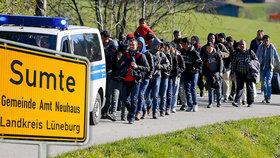 Němci se stali přes noc menšinou: Do vesničky úřady poslaly stovky uprchlíků