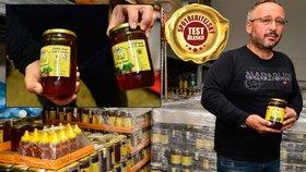 Dvě laboratoře potvrdily zakázaná antibiotika v medu. Výrobce Včelpo se přesto brání: Vaše testy neberu... ale radši to prověříme