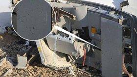 Důkaz, že byl airbus odpálen zevnitř? V troskách letounu našli stopy po šrapnelech