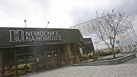 V Nemocnici Na Homolce zahájili léčbu plazmou: Dva pacienti zůstávají ve vážném stavu