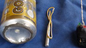 Letadlo jsme sundali plechovkou, chlubí se ISIS bombou v limonádě. Co, experti?