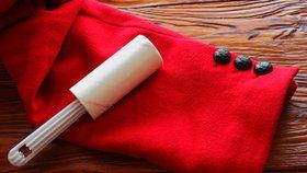 7 tipů, jak využít lepicí váleček. Vyčistí kabelku i zbaví prachu