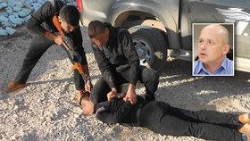 Exkluzivní fotografie z tábora bojovníků proti ISIS. Cvičil je Čech