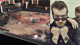 Zpěvák o masakru v Bataclanu: Chlapečka před kulkami zachránila má kožená bunda