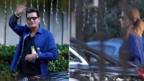 HIV pozitivní Charlie Sheen se opět směje! Herec strávil svátky s neznámou kráskou
