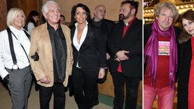 Šílené outfity na Vánočním Kameňáku: Polonahá Pomeje, režisér jako Karkulka a další módní úlety!