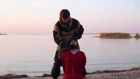 Islamisté uřízli hlavu Rusovi. Měl to být agent Putina, tomu ve videu vyhrožují
