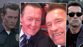 Terminátoři po 25 letech: Arnold si vyfotil selfie s úhlavním nepřítelem
