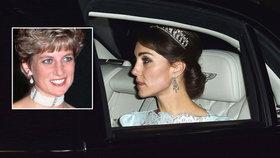 Vévodkyně Kate  Na společenskou recepci vyrazila s čelenkou 4837068638