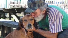 Umíral žalem, oživil ho Rex! Bezdomovec Bohoušek a jeho psí kamarád
