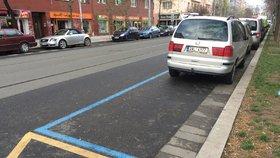 Praha 5 už vydává parkovací oprávnění. Přitom neví, kdy zóny začnou platit
