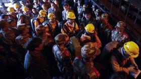 Čínské doly smrti: Další zával pohřbil 29 horníků