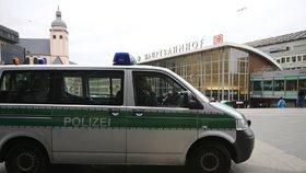 Pár schoval drogy do kebabu, policie je stejně odhalila