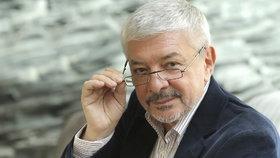 Otec Novy Vladimír Železný se vrací do televize