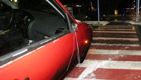 Řidič (58) v Kladně na přechodu srazil dívku (16). Policie řidiče žádá, aby se věnovali více řízení